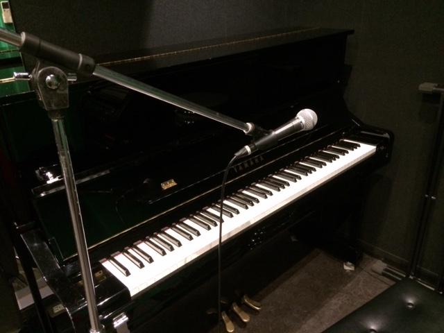 ピアノ弾き語り