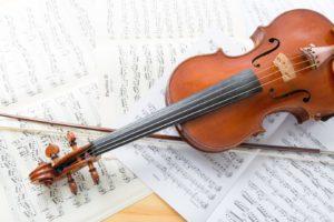 ヴァイオリンとスコア